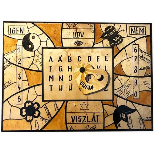 Szellemidéző Ouija tábla